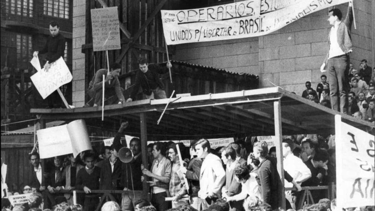 Lugares de Memória dos Trabalhadores #18: Praça da Sé, São Paulo (SP) – Murilo Leal