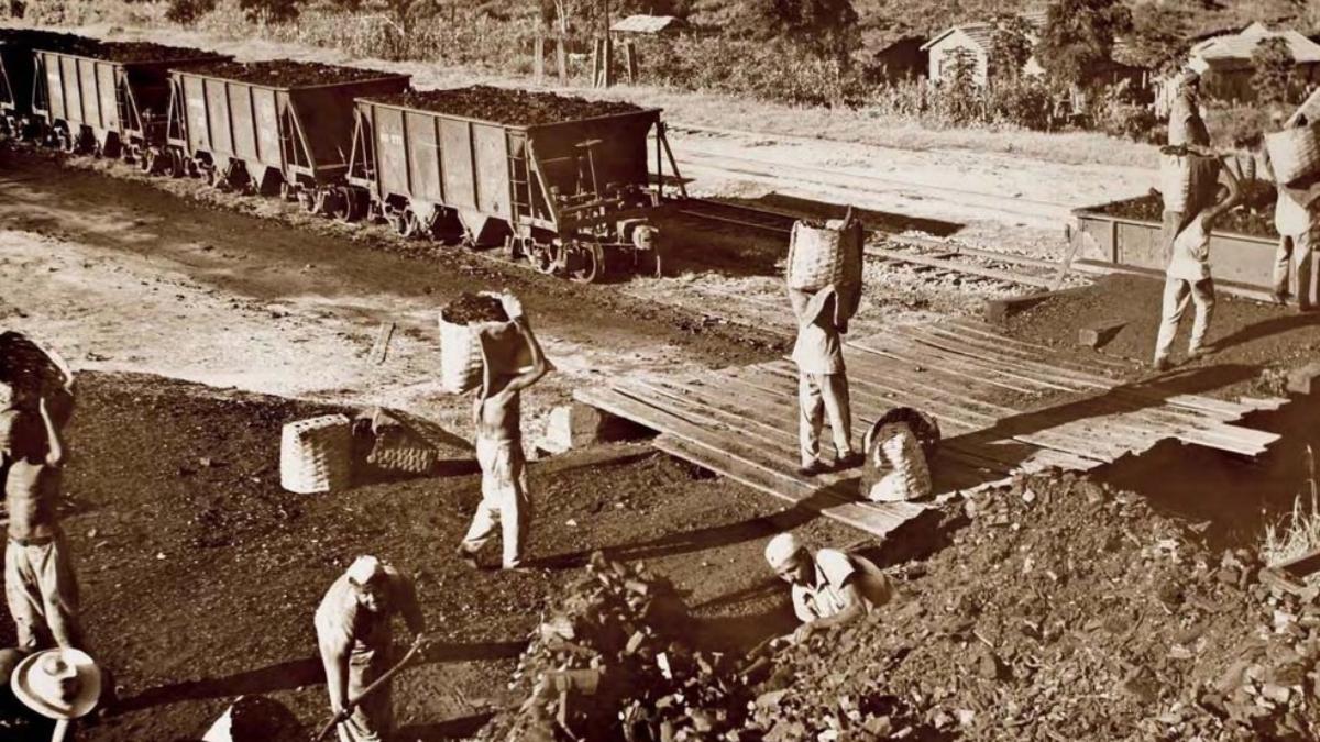 Lugares de Memória dos Trabalhadores #46: Mina do Cauê, Itabira (MG)  – Cristiane Maria Magalhães